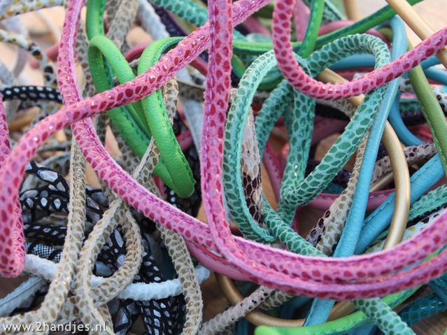 gestikt rond leer voor armbanden