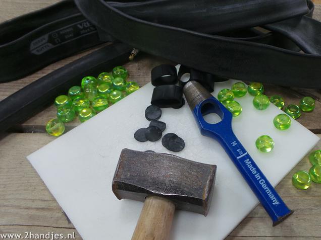 materialen om een ketting te maken van fietsband